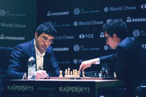 Kramnik gikk ned mot Caruana