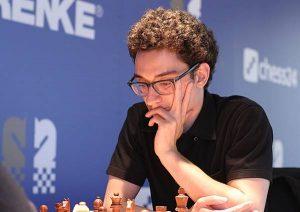 Caruana leder etter seier mot Vachier-Lagrave