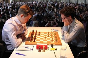 Carlsen og Caruana topper verdensrankingen
