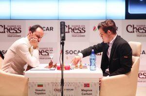 Carlsen slår Topalov og overtar ledelsen