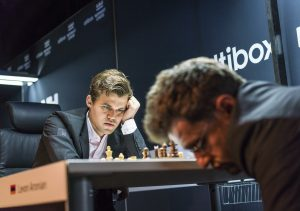 Carlsen vant overbevisende mot Aronian