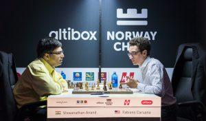 Caruana med sterk svartseier mot Anand