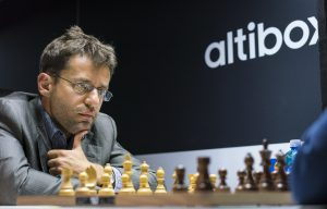 Aronian slo Mamedyarov i fjerde runde