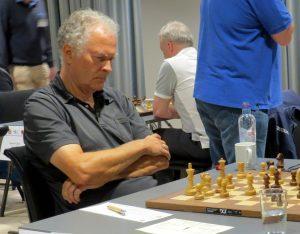 Øgaard tapte i 8. runde og mistet ledelsen