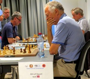 Agdestein og Øgaard kjemper fortsatt om gull i hver sin klasse
