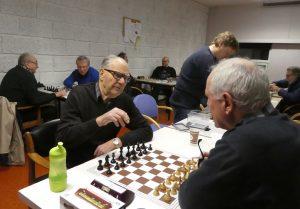 Karsten Hansen i jubileumsåret, klar for spill mot en annen av klubbens veteraner, Arve Frydenlund.