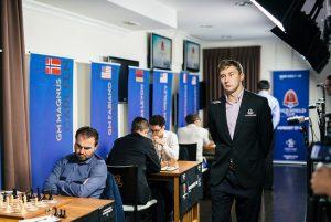 Karjakin med et godt vinstforsøk mot Mamedyarov