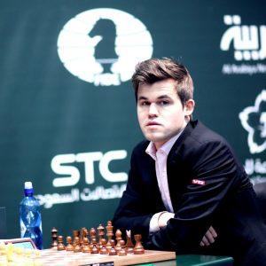 Carlsen er regjerende verdensmester i lynsjakk