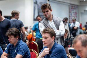 Carlsen følger Vålerengas kamp mot Echiquier Amaytois