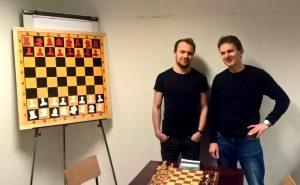 De to beste i klubbmesterskapet i lynsjakk: Hølleland og Mork