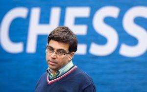 Anand slo Kramnik og gikk opp på delt førsteplass