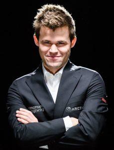 Carlsen innledet Tata Steel Chess med remis mot Liren Ding