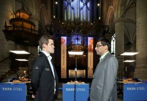 Carlsen slo Anand i tiende runde av Tata Steel Chess