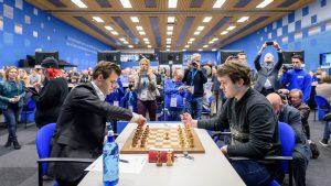 Carlsen måtte jobbe for halvpoenget mot Fedoseev i syvende runde