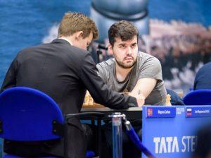 Nepomniachtchi er fortsatt ubeseiret mot Carlsen i langsjakk