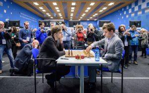 Carlsen slo Rapport i 8. runde og leder Tata Steel Chess