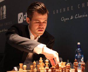 Carlsen med overbevisende seier mot Aronian