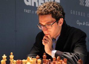 Bare Caruana kan hindre Carlsen i å vinne turneringen