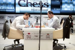 Det ble et solid remisparti mellom Carlsen og Topalov