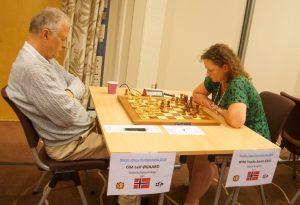 Sahl er beste kvinne etter remis mot Øgaard i 4. runde