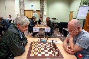Ulrichsen leder Senior etter remis mot Støre