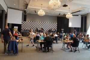 Fra sjette runde av Hell Chess International