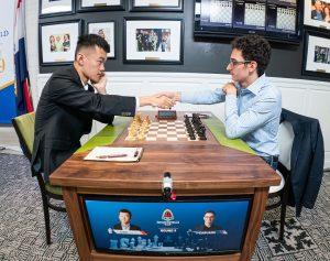 Liren Ding med sterk seier mot Caruana