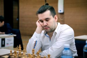 Nepomniachtchi er videre til fjerde runde