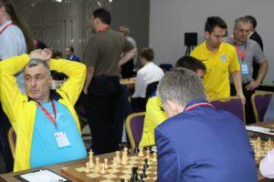 Ivanchuk og Ukraina leder åpen klasse etter 5 runder