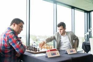 Carlsen fikk trøbbel mot Kuzubov, men vant til slutt