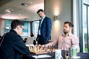 Svidler følger toppoppgjøret Caruana - Aronian