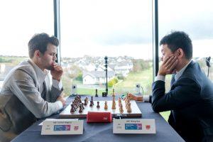 Carlsen og Wang Hao hadde en kort dag på jobben