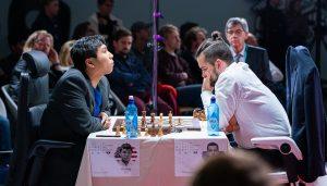 So med klar seier mot Nepomniachtchi i den andre semifinalen