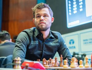 Bra start for Carlsen i India