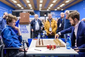 Carlsen måtte nøye seg med remis mot Artemiev