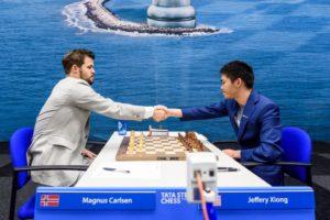 Carlsen måtte jobbe for halvpoenget mot unge Xiong