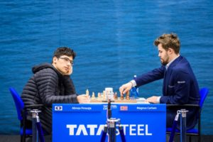 Firouzja var sjanseløs mot Carlsen i niende runde