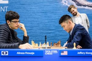 Carlsen måtte se Firouzja rykke fra med enda et halvpoeng