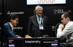 Eksverdensmester Karpov med Giri og Nepomniachtchi