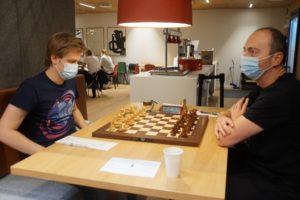 Hauge og Elsness er i delt ledelse etter fire runder