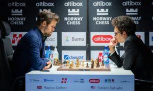 Carlsen slo Caruana i fjerde runde