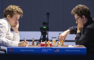 Det ble remis mellom Carlsen og Caruana