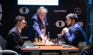 Eksverdensmester Karpov starter partiet mellom Caruana og Vachier-Lagrave