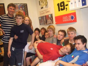 Simen og elever på NTG i 2007
