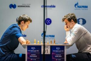 Også det andre partiet mellom Esipenko og Carlsen endte med remis