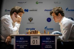 Carlsen måtte jobbe for halvpoenget mot Duda