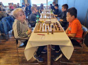 Norske Haug og Myagmarsuren deler tredjeplassen i yngste klasse